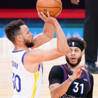 How many times has Steph Curry made 10 or more threes in a game? (It's a lot)