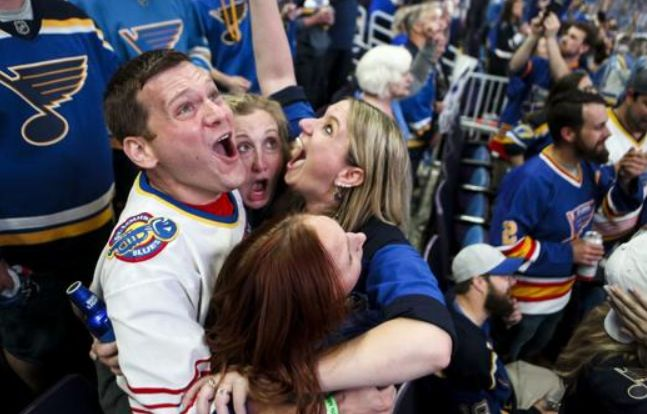 Blues fans celebrate St. Louis's first NHL Championship